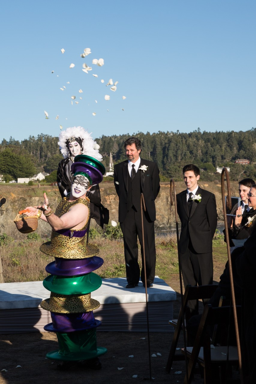 mendocino-mardi-gras-wedding-08